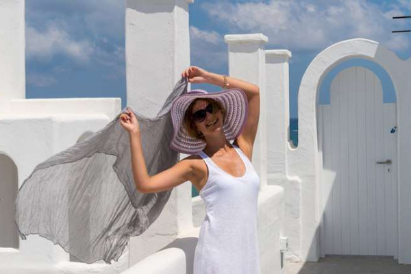 Чернівчанка у Греції стала обличчям готелю