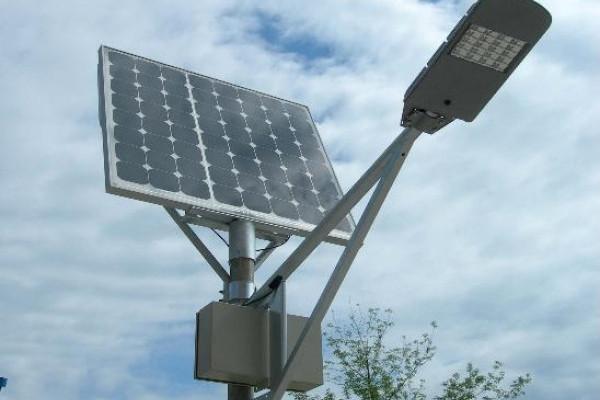 Модернізоване вуличне освітлення: де у Чернівцях встановлять сонячні панелі