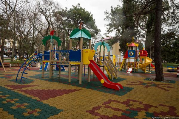 Чернівчани просять облаштувати ігровий майданчик для дітей інвалідів
