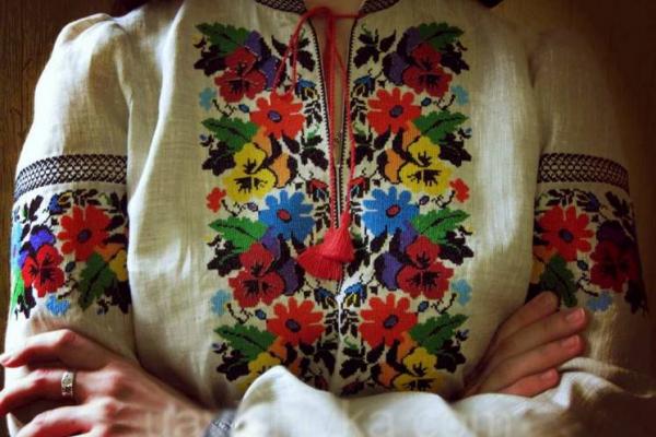 День Вишиванки: історія свята та модні тренди вишиванок (фото)