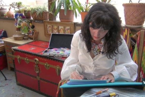 Буковинка малює янголів, щоб допомогти онкохворим дітям з Чернівців