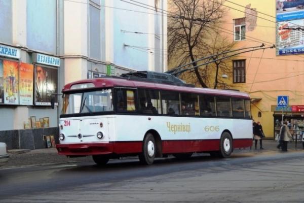 У Чернівцях змінить рух громадський транспорт