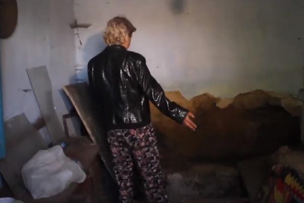 Буковинка пояснила для чого тримала труп матері у підвалі (відео)