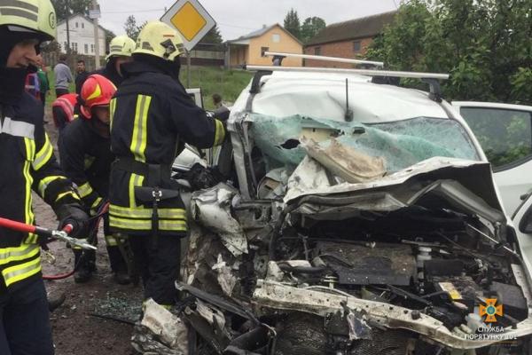 Жахлива аварія у сусідній Тернопільщині: четверо працівників Укренерго загинули (фото)
