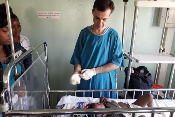 Головне, що вдалося врятувати не одне дитяче життя, - чернівчанин протягом 2-х місяців лікував дітей на Гаїті