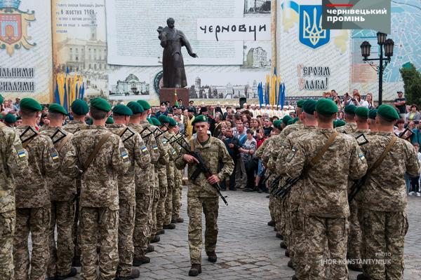 У Чернівцях прикордонники склали присягу на вірність українському народу (фото)