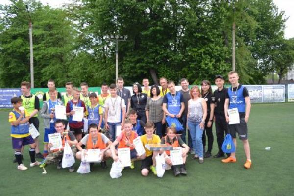 З нагоди Дня захисту дітей у Чернівцях відбувся турнір з міні-футболу (Фото)