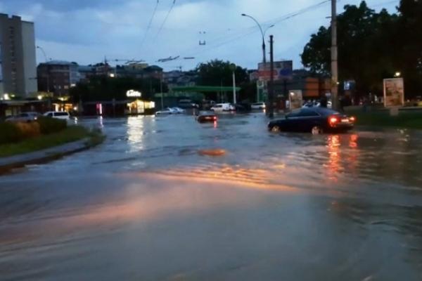 Коли поменшає дощів у Чернівцях?