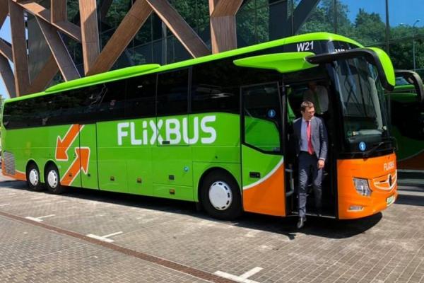 Подорожувати за п'ять євро - найдешевший автобусний лоукостер запустить рейси з Чернівців