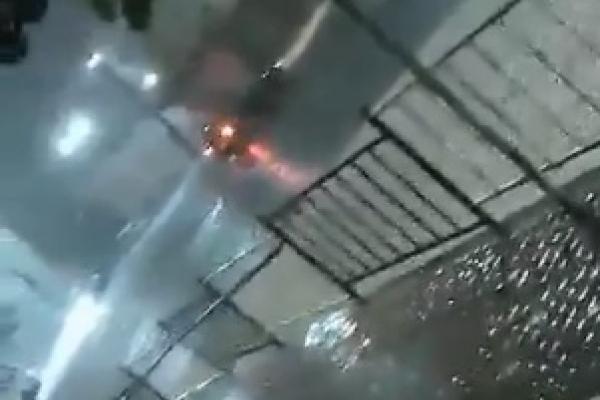 У центрі Чернівців «плавали» автівки (Відео)