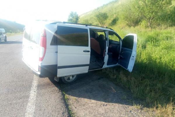 На Буковині аварія: автомобілі зіткнулися лоб в лоб
