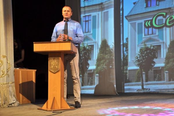 Випускникам Чернівецького медичного коледжу БДМУ вручили дипломи