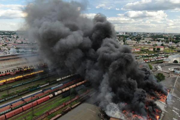 Пожежа у Львові: як горів відомий вокзал(фото)