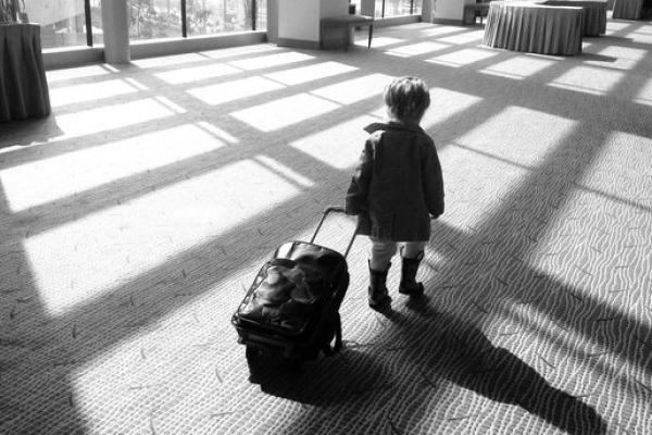 В аеропорту Чернівців затримали жінку, яка незаконно намагалася вивезти дитину