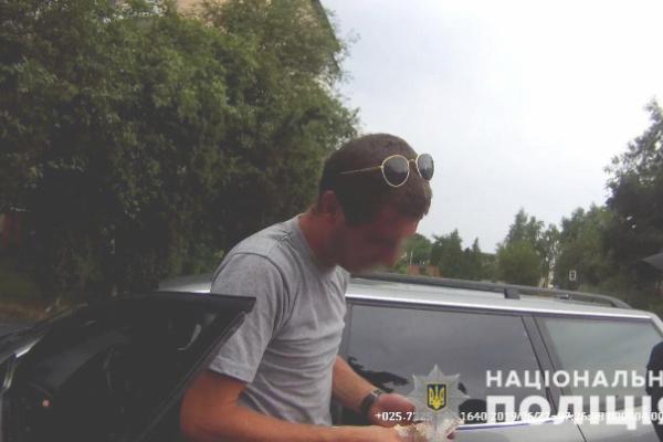 На Буковині поліцейські виявили водія напідпитку, якого розшукує поліція Одещини