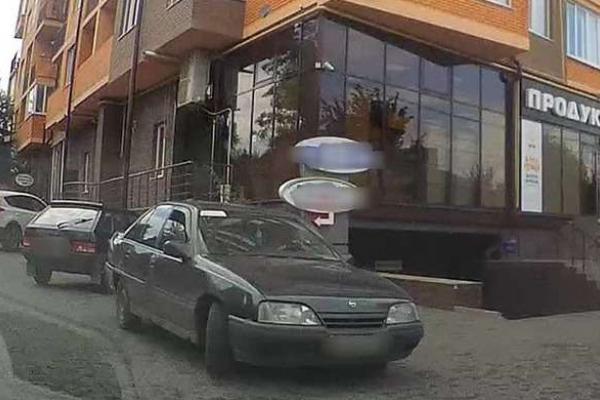 Чернівецькі патрульні виявили авто з підробленим техпаспортом