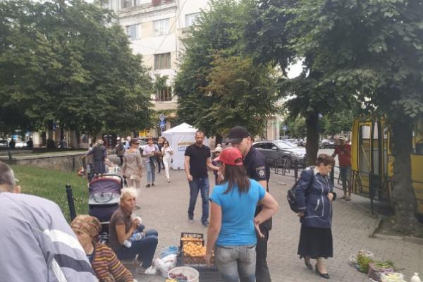 На стихійному ринку у Чернівцях побилися жінки
