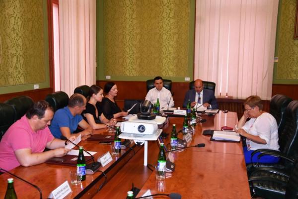 У Чернівцях відбулося скликання 32-ї позачергової сесії обласної ради