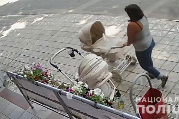 У буковинки вкрали телефон з дитячого візка