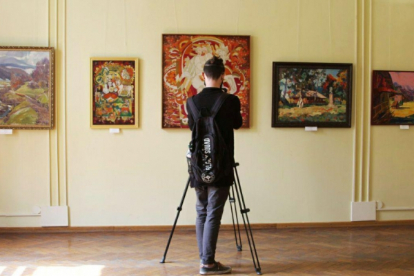 У Чернівецькому обласному художньому музеї презентували дві нові експозиції