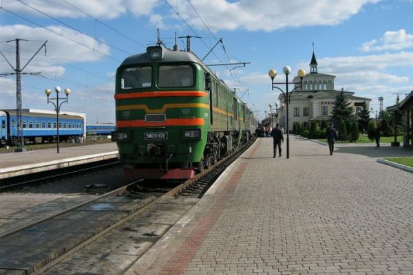 Тринадцять залізничних станцій закриють на Буковині