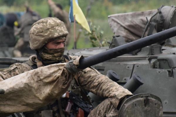 Понад 450 буковинців уклали контракт на службу в ЗСУ