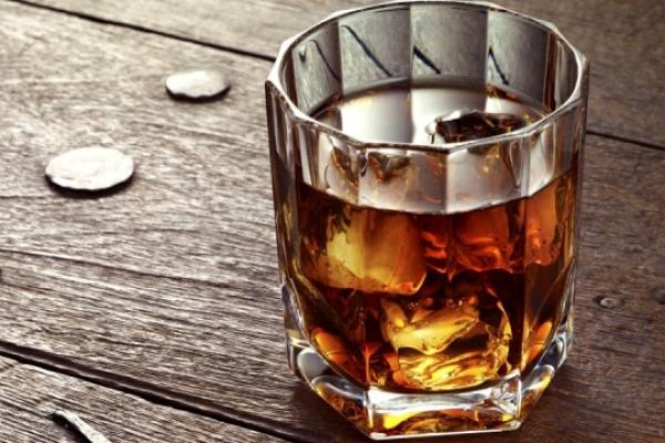 У чернівецьких скверах та парках хочуть заборонити продаж алкоголю