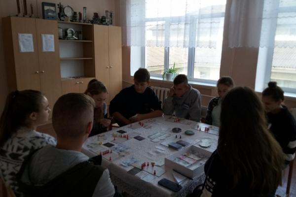 Молодь Новоселицької ОТГ моделювала свою «Громаду інноваторів»