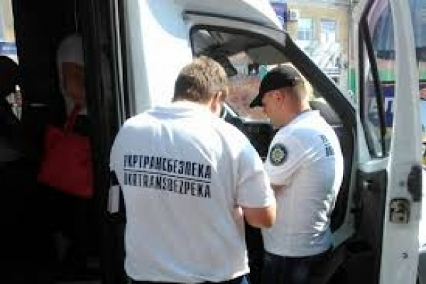 Фахівці Укртрансбезпеки виявили на Буковині 348 порушень