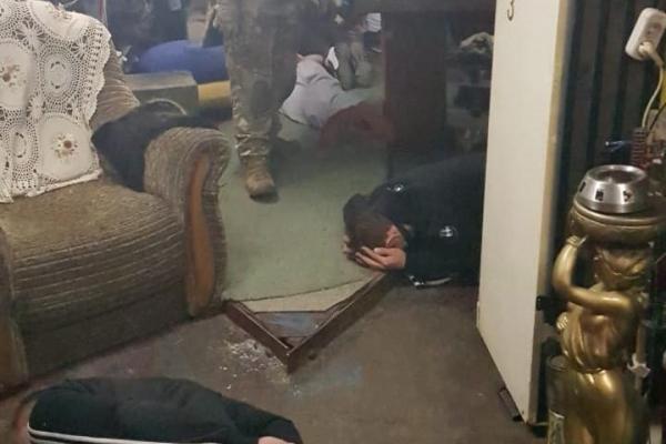 Буковинець влаштував наркоторгівлю у власному гаражі