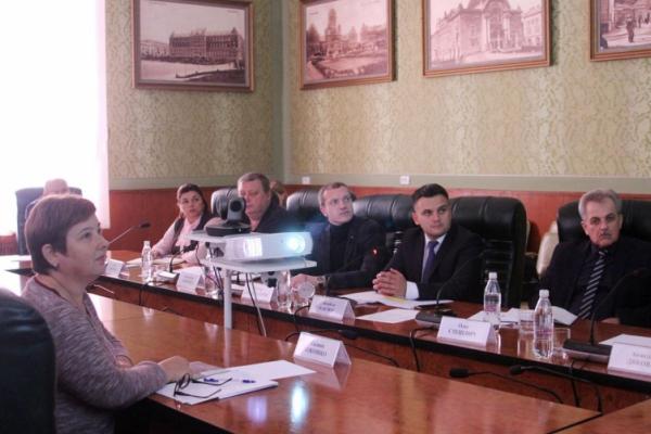 Чернівецькі посадовці взяли участь у селекторній нараді щодо опалювального сезону