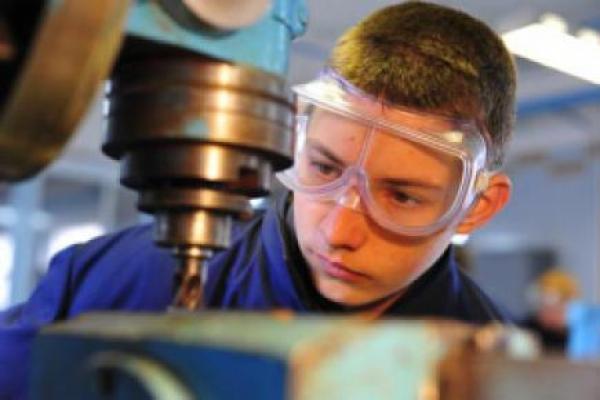 Про працю неповнолітніх попереджають буковинських роботодавців
