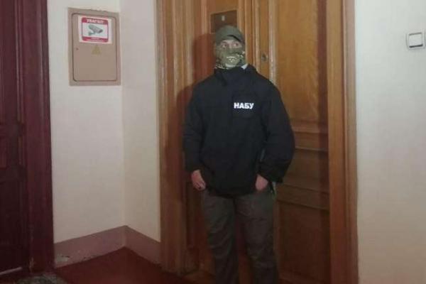 У кабінеті голови Чернівецької облради Івана Мунтяна також проводили обшуки