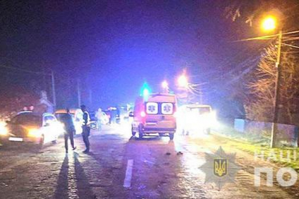 Смертельна ДТП на Буковині: водій переїхав чоловіка, який лежав посеред дороги