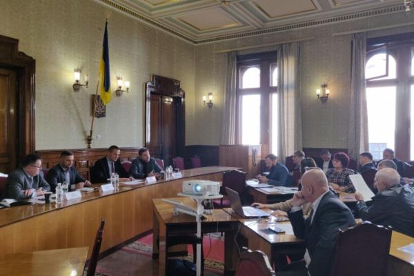 У Чернівецькій облдержадміністрації обговорили реформу децентралізації