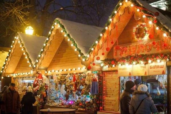 У Чернівцях оголосили конкурс на проведення та облаштування Різдвяного ярмарку