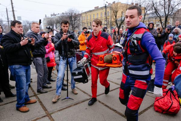 В середмісті Чернівців сталася надзвичайна ситуація (фото)