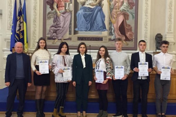 Десять буковинських учнів удостоєні стипендій Президента України