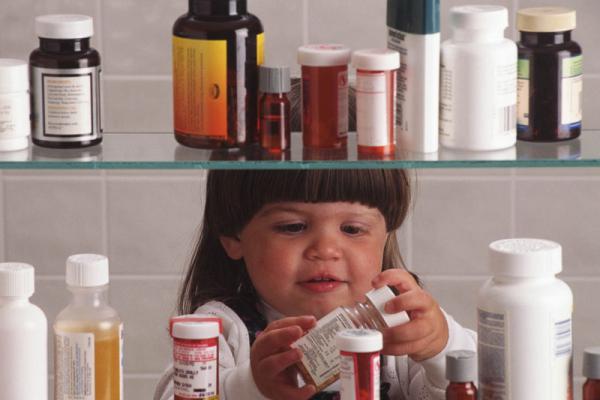 На Буковині 3-річна дитина отруїлася таблетками