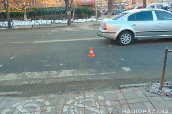 У Чернівцях на пішохідному переході іномарка збила школяра