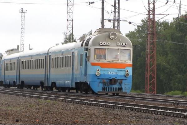 На Буковині три приміські потяги тимчасово не курсуватимуть