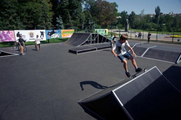 Коли у Чернівцях облаштують скейт-парк?