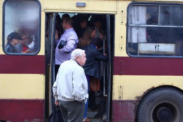 Чернівчани обговорять підвищення цін на проїзд у тролейбусах