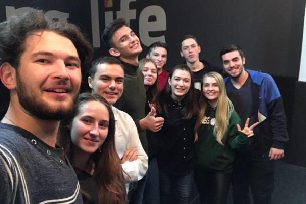 Чернівецькі волонтери програми «Будуємо Україну разом» провели соціальну акцію