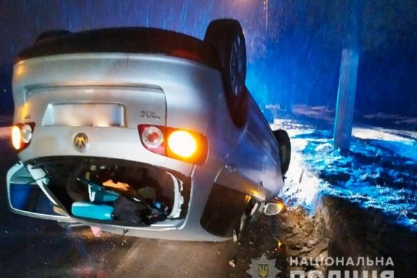 Нічна ДТП у Чернівцях: водій був у нетверезому стані (фото)