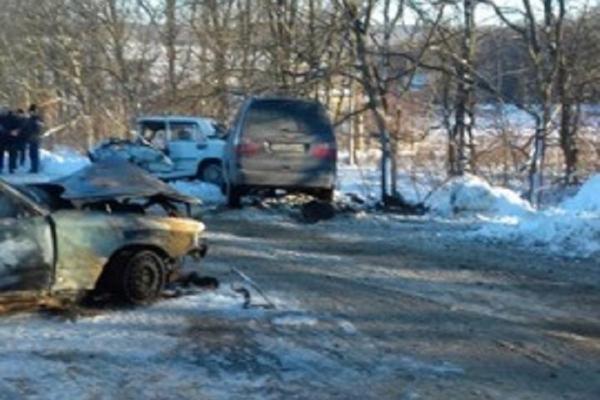 На Різдво у Чернівецькій області сталася потрійна ДТП (фото)