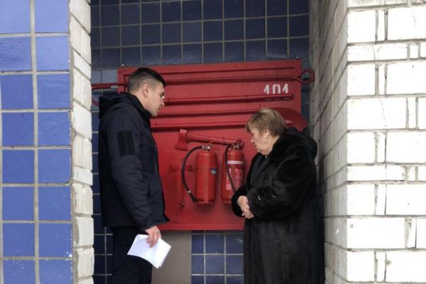 Надзвичайники перевіряють стан протипожежного захисту навчальних закладів Буковини