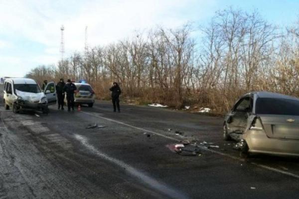 На Буковині поблизу АЗС сталася ДТП