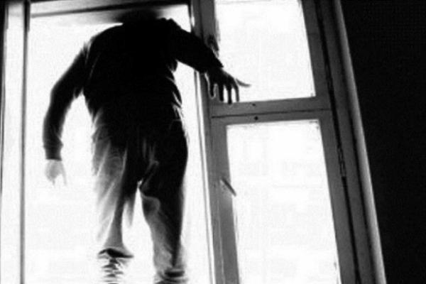 У Чернівцях в одній з міських лікарень чоловік випав з вікна та розбився на смерть (відео)