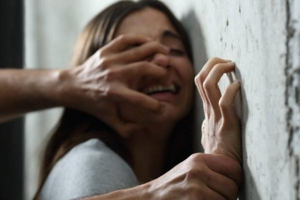 У Чернівцях поліція розслідує ймовірне зґвалтування дівчини 17-річним хлопцем
